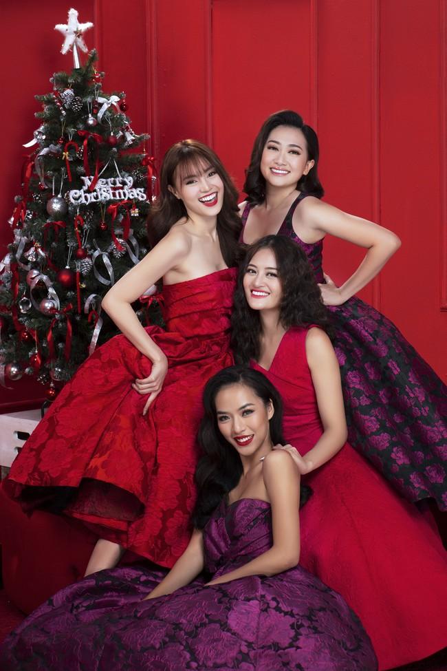 Lan Ngọc nhí nhảnh đón Giáng sinh bên hội chị em gái già công sở - Ảnh 10.