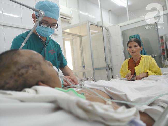 Đang chuẩn bị cho gánh chè nửa đêm, bà mẹ nghèo chết lặng nhận tin con trai sắp tắt thở vì tai nạn nguy kịch - Ảnh 4.