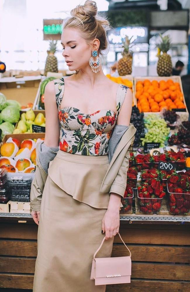 5 cách kết hợp trang phục màu be giúp chị em trở nên xinh đẹp và tỏa sáng bội phần - Ảnh 15.