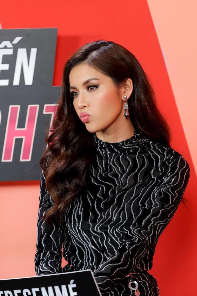 Vừa trở về từ Hoa hậu Siêu quốc gia, Minh Tú đã ngồi vào ghế nóng  - Ảnh 1.