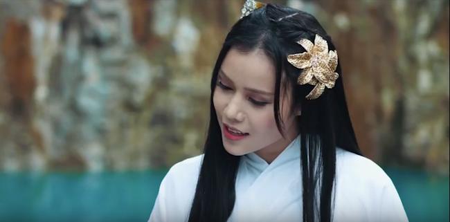 Sợ lỗ vốn khi chi tiền khủng làm MV cổ trang, Phi Nhung đã khuyên Quán quân Ban nhạc quyền năng điều này  - Ảnh 2.
