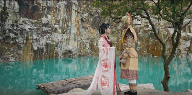 Sợ lỗ vốn khi chi tiền khủng làm MV cổ trang, Phi Nhung đã khuyên Quán quân Ban nhạc quyền năng điều này  - Ảnh 7.