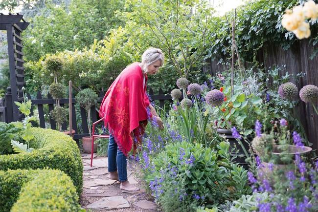 Vì tuổi thơ bất hạnh, người phụ nữ dành 20 năm để biến mơ ước tạo một khu vườn cổ tích trở thành hiện thực - Ảnh 16.