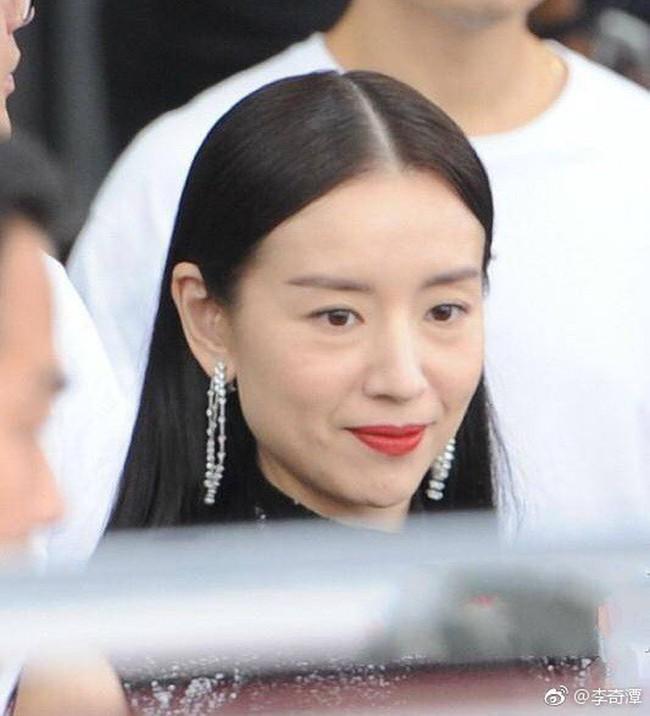 Top khoảnh khắc kém sắc gây sốc của dàn đại mỹ nhân năm 2018: Park Min Young, Nhiệt Ba phải chào thua mỹ nhân này? - Ảnh 13.