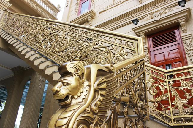 Sự thật về gia chủ và căn biệt thự dát toàn vàng ở Bà Rịa - Vũng Tàu - Ảnh 5.