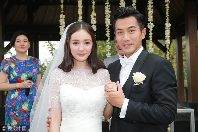 """Điều bất thường phía sau nhẫn cưới 70 triệu của Dương Mịch, khiến cô bị tố """"suốt 4 năm liền không đeo nhẫn"""" - Ảnh 1."""