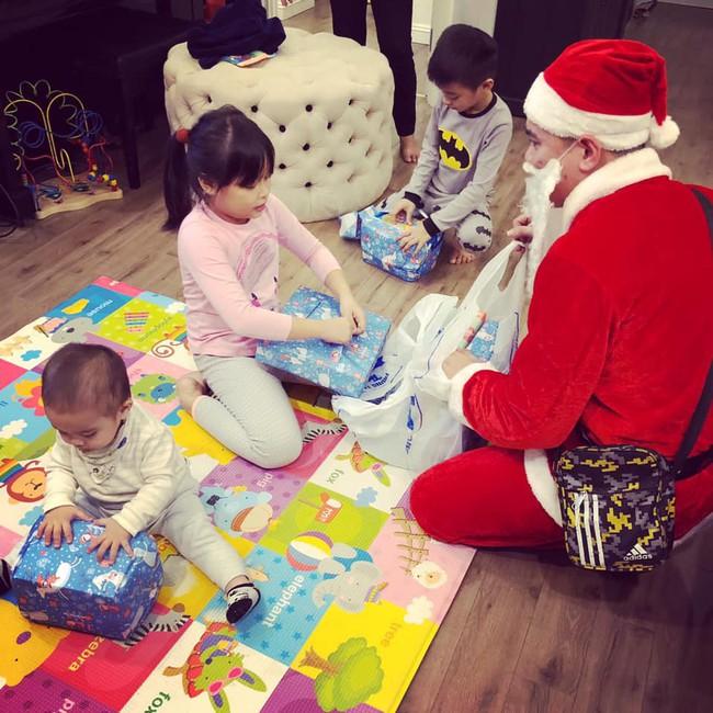 Giáng sinh của hội hot mom: Hằng Túi quyết định xuất viện về nhà, chị dâu Bảo Thy chính thức báo tin vui có bầu - Ảnh 1.