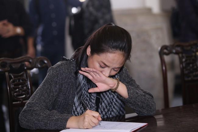 Thu Quỳnh, Bảo Thanh, Lan Hương, Kim Oanh, Lê Khanh nhạt nhòa nước mắt trong lễ tang NSND Anh Tú - Ảnh 11.