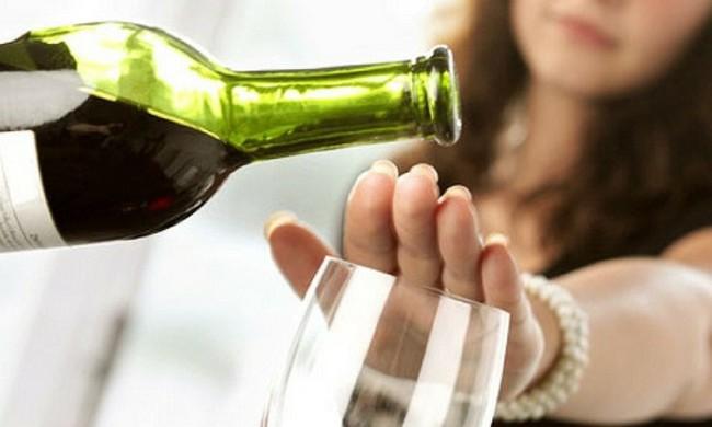 3 người hôn mê do ngộ độc rượu sau tiệc Noel, chuyên gia cảnh báo cẩn trọng ngộ độc rượu dịp cuối năm - Ảnh 5.
