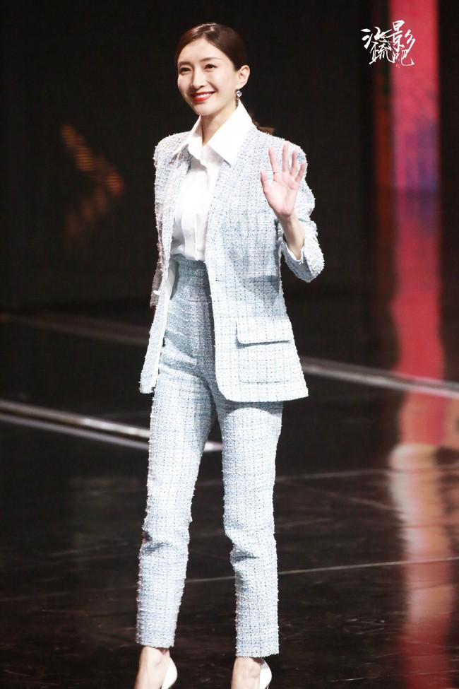"""Được khen suốt ngày nhưng sao Jennie vẫn không """"sang"""" bằng Giang Sơ Ảnh khi diện đồ Chanel? - Ảnh 3."""
