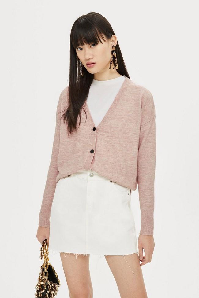 15 mẫu áo cardigan xinh hết ý từ Zara, Mango, Topshop mà các nàng sẽ muốn sắm bằng hết cho tủ đồ của mình - Ảnh 3.