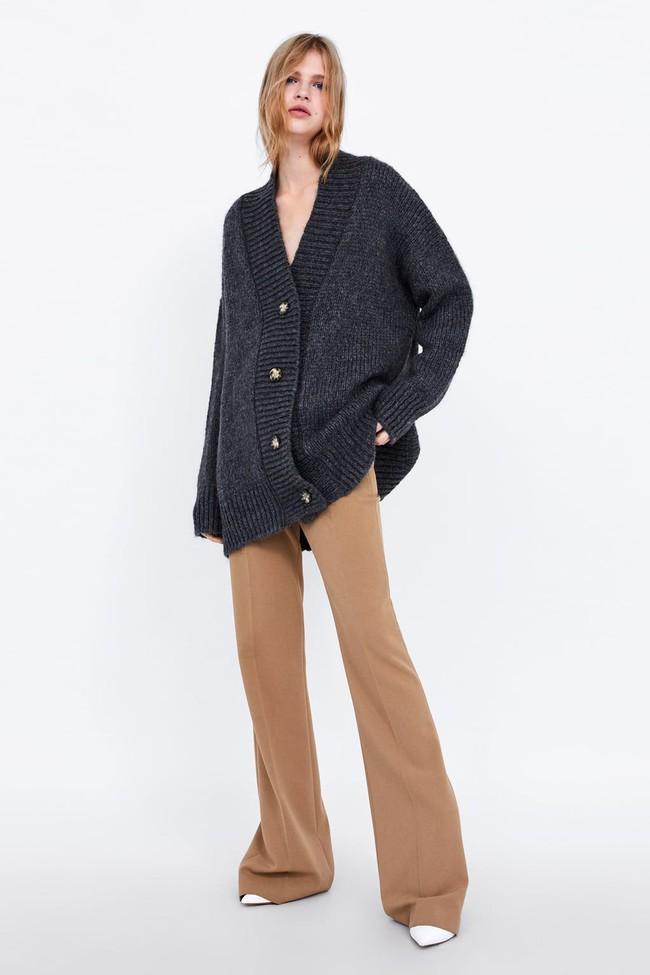 15 mẫu áo cardigan xinh hết ý từ Zara, Mango, Topshop mà các nàng sẽ muốn sắm bằng hết cho tủ đồ của mình - Ảnh 14.