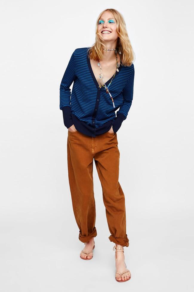15 mẫu áo cardigan xinh hết ý từ Zara, Mango, Topshop mà các nàng sẽ muốn sắm bằng hết cho tủ đồ của mình - Ảnh 12.