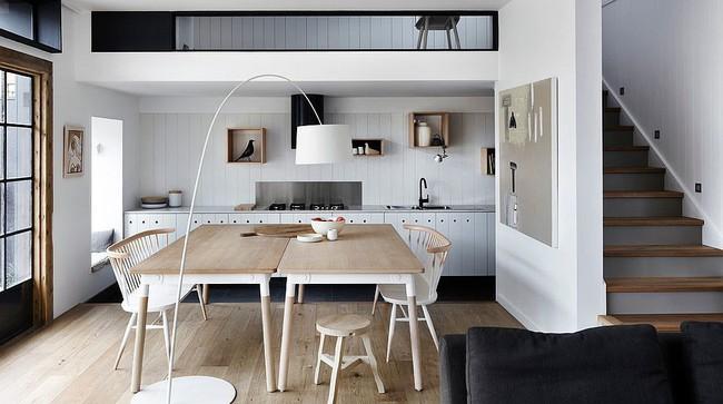 Nhà bếp dưới gác lửng - giải pháp hoàn hảo cho một ngôi nhà cần tiết kiệm không gian tối đa - Ảnh 1.