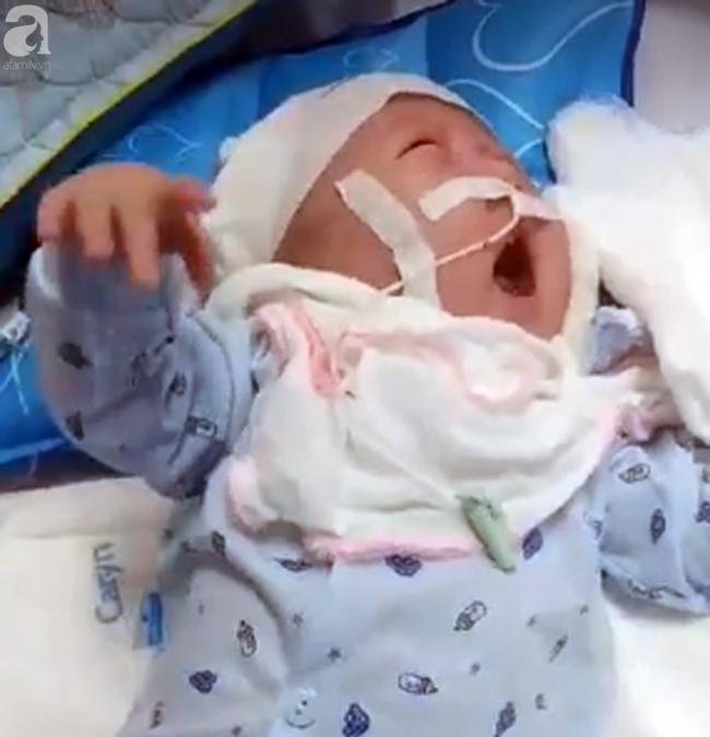 Thương tâm, bé trai vừa sinh ra đã phải đối mặt với hàng loạt căn bệnh nguy hiểm - Ảnh 2.