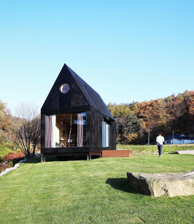 Thiết kế nhà nhỏ 20m² ấn tượng với phòng ngủ trên gác xép vừa đáng yêu vừa siêu tiết kiệm - Ảnh 10.
