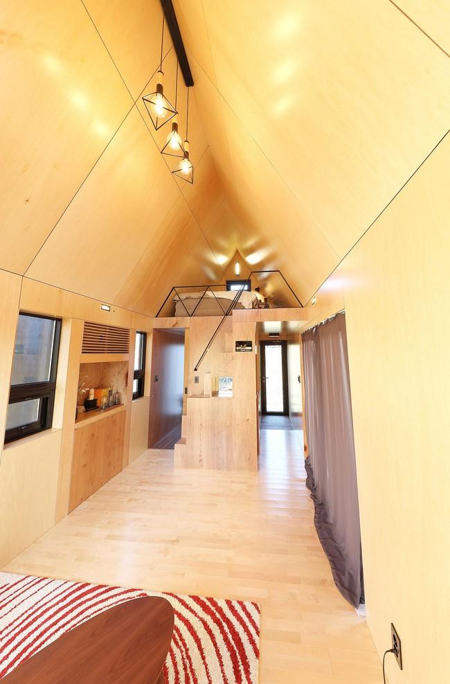 Thiết kế nhà nhỏ 20m² ấn tượng với phòng ngủ trên gác xép vừa đáng yêu vừa siêu tiết kiệm - Ảnh 6.