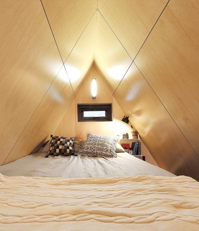 Thiết kế nhà nhỏ 20m² ấn tượng với phòng ngủ trên gác xép vừa đáng yêu vừa siêu tiết kiệm - Ảnh 8.