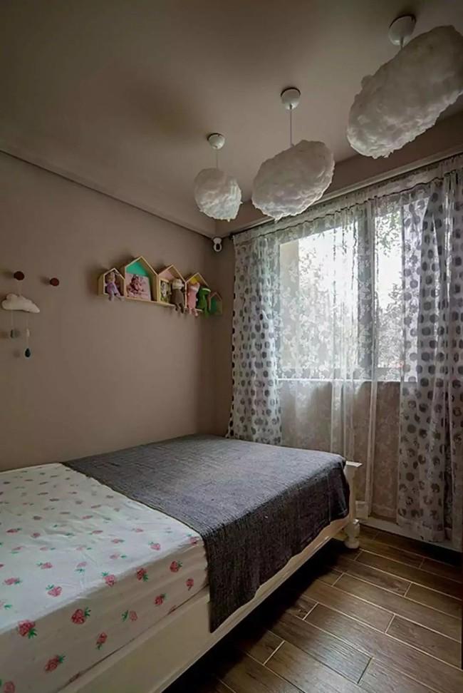 Nhà trong phố tạo cảm giác rộng gấp đôi với cách kết hợp màu táo bạo của vợ chồng trẻ từng du học Hà Lan - Ảnh 20.