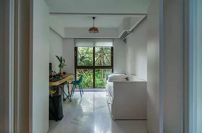 Nhà trong phố tạo cảm giác rộng gấp đôi với cách kết hợp màu táo bạo của vợ chồng trẻ từng du học Hà Lan - Ảnh 16.