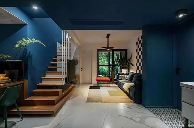 Nhà trong phố tạo cảm giác rộng gấp đôi với cách kết hợp màu táo bạo của vợ chồng trẻ từng du học Hà Lan - Ảnh 5.