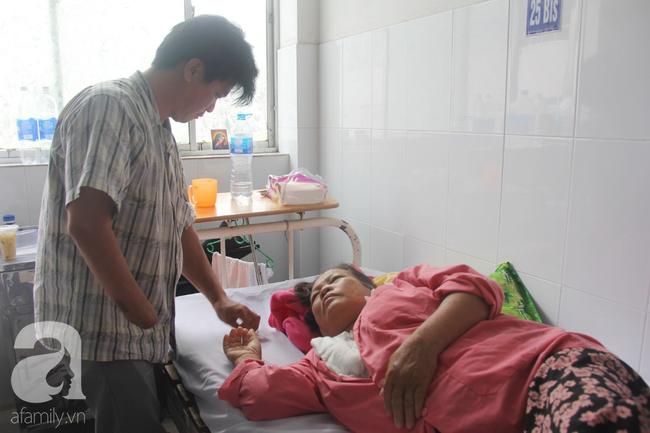 Đường cùng của người con trai cụt tay, gởi con ở quê để vào bệnh viện nuôi mẹ già suy thận mạn giai đoạn cuối - Ảnh 7.