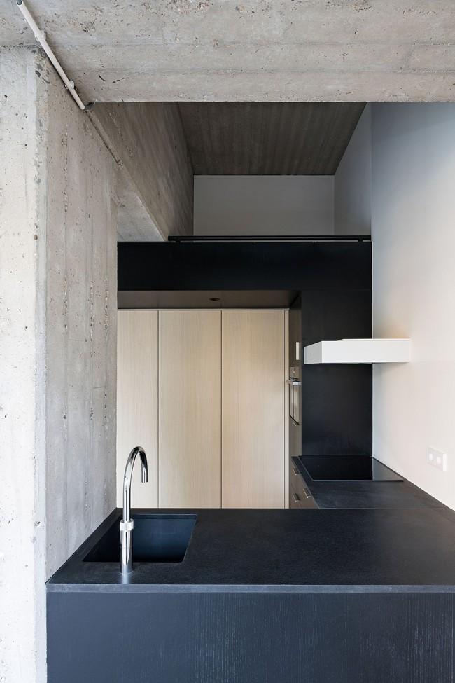 Ngôi nhà đúng chất đô thị trong không gian tinh tế và phong cách không thể nhầm lẫn - Ảnh 7.