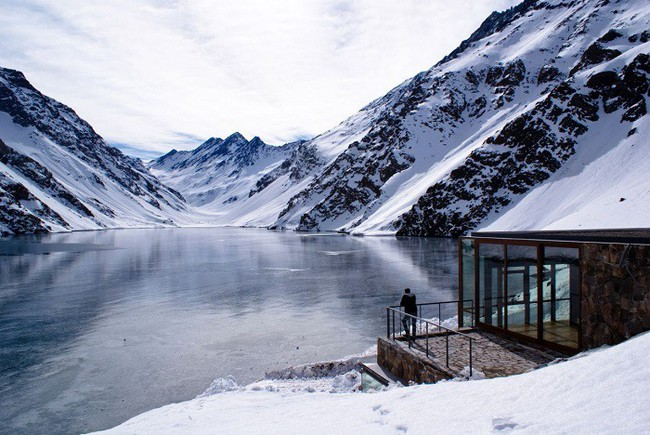 15 công trình kiến trúc nhà ở đáng kinh ngạc nằm cheo leo trên vách núi, số 14 thách thức những người sợ độ cao - Ảnh 8.