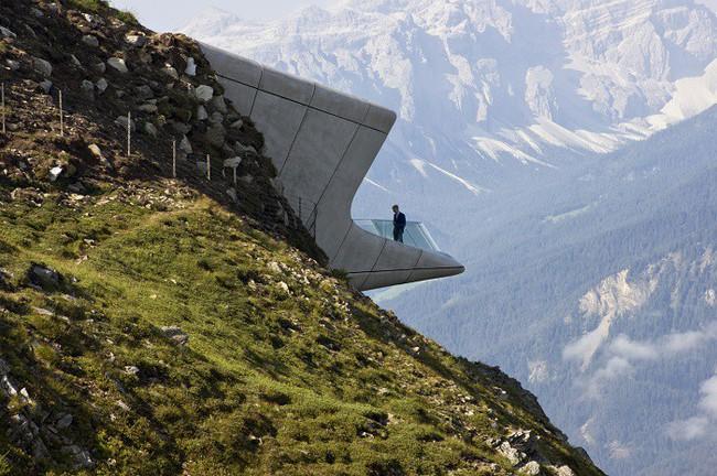 15 công trình kiến trúc nhà ở đáng kinh ngạc nằm cheo leo trên vách núi, số 14 thách thức những người sợ độ cao - Ảnh 10.
