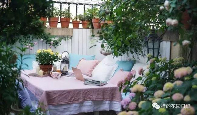 Khu vườn dịu dàng nét xuân, trăm hoa đua nở trên sân thượng 88m² của bà mẹ hai con  - Ảnh 19.