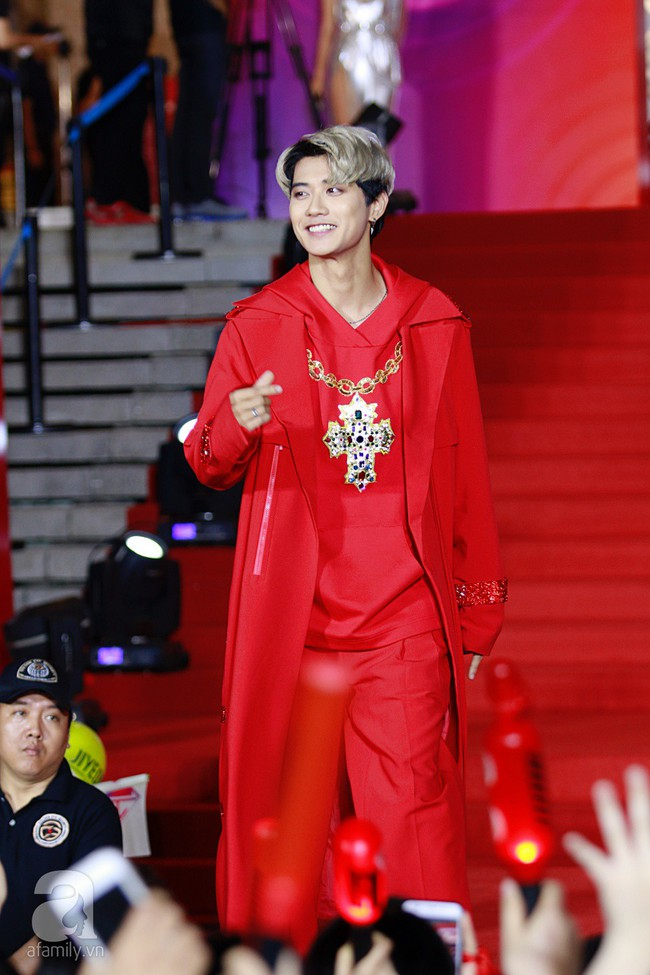 Midu đẹp tựa nữ thần, Soobin Hoàng Sơn tình tứ khoát tay Ji Yeon (T-ara) trên thảm đỏ - Ảnh 9.