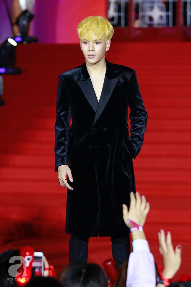 Midu đẹp tựa nữ thần, Soobin Hoàng Sơn tình tứ khoát tay Ji Yeon (T-ara) trên thảm đỏ - Ảnh 12.