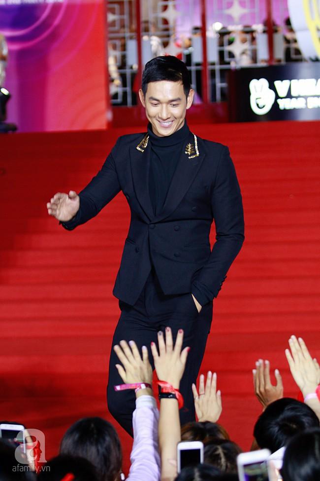 Midu đẹp tựa nữ thần, Soobin Hoàng Sơn tình tứ khoát tay Ji Yeon (T-ara) trên thảm đỏ - Ảnh 15.