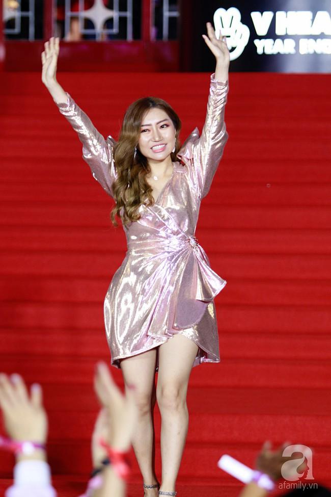 Midu đẹp tựa nữ thần, Soobin Hoàng Sơn tình tứ khoát tay Ji Yeon (T-ara) trên thảm đỏ - Ảnh 16.
