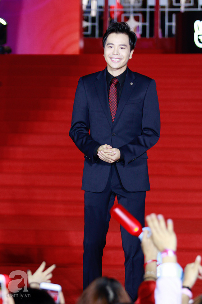 Midu đẹp tựa nữ thần, Soobin Hoàng Sơn tình tứ khoát tay Ji Yeon (T-ara) trên thảm đỏ - Ảnh 20.