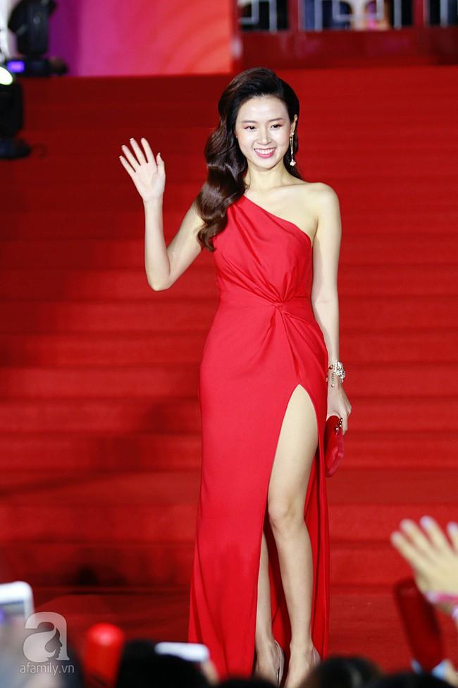 Midu đẹp tựa nữ thần, Soobin Hoàng Sơn tình tứ khoát tay Ji Yeon (T-ara) trên thảm đỏ - Ảnh 2.
