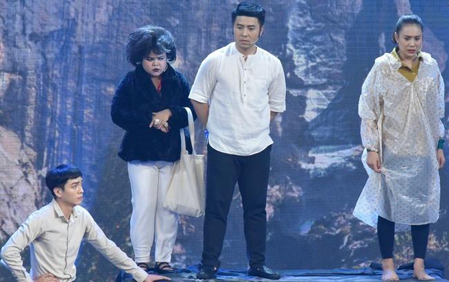 Akira Phan - Hồ Bích Trâm khiến Việt Hương thót tim với màn xiếc trên không - Ảnh 4.
