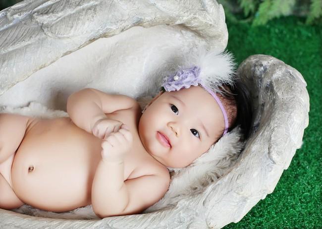 Nhờ giãn cữ bú, cai ti đêm, mẹ Sài Gòn đã luyện con ngủ xuyên đêm 11 tiếng từ khi 3 tháng tuổi - Ảnh 2.