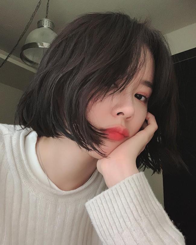 5 cách đơn giản nhưng đảm bảo khiến tóc dày dặn, bồng bềnh hơn cho nàng nào tóc mỏng, tóc dễ xẹp - Ảnh 2.