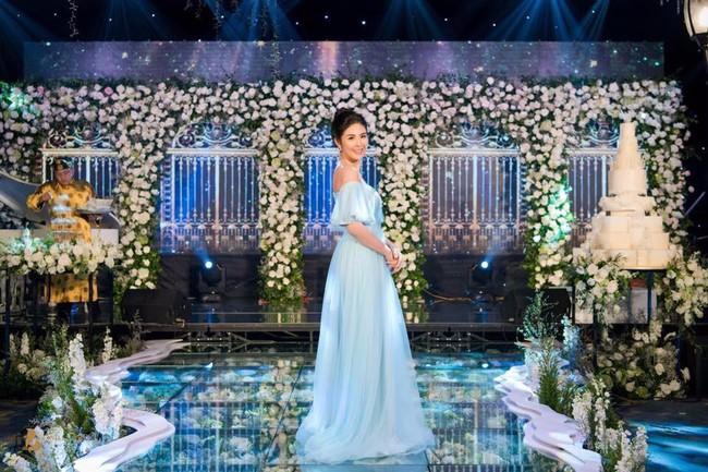 Lộ diện váy cưới Cinderella đời thực trị giá 400 triệu của Á hậu Thanh Tú - Ảnh 9.