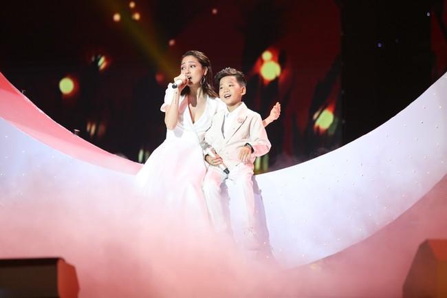 Học trò Giang - Hồ lên ngôi Quán quân The Voice Kids 2018, mang về chiến thắng thứ 3 cho cặp đôi HLV - Ảnh 7.