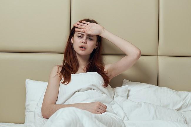 Đổ mồ hôi đêm có thực sự đáng lo ngại? Đừng lơ là với những nguyên nhân gây ra triệu chứng này - Ảnh 3.