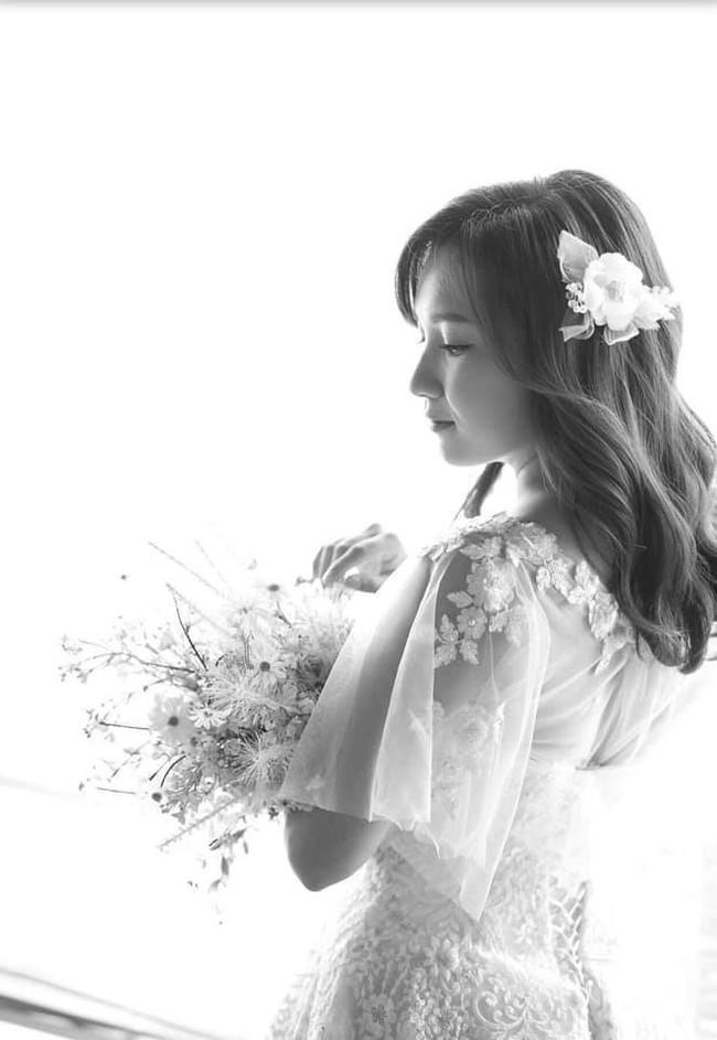 Gia đình Tiến Đạt nói gì về cô gái vừa thế chân Hari Won về làm dâu? - Ảnh 1.