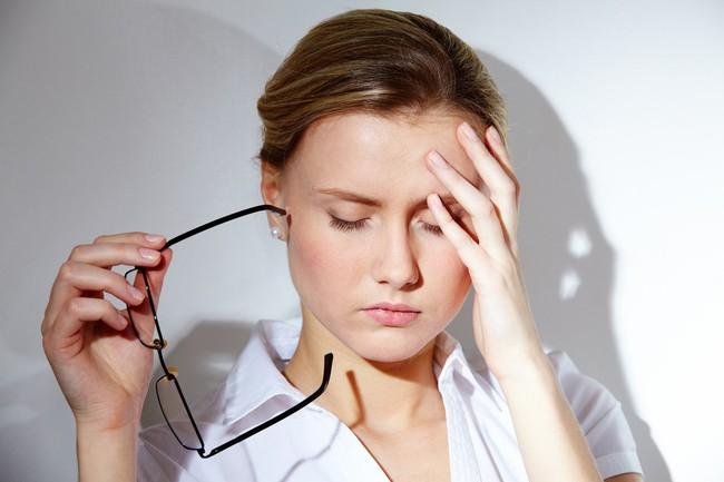 Đang điều trị khô mắt mà gặp các dấu hiệu này thì chứng tỏ biện pháp đó không phù hợp với bạn - Ảnh 4.