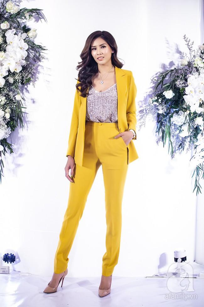 Sau một năm biến mất khỏi showbiz, Á hậu Nguyễn Thị Loan tái xuất với phong cách đẳng cấp trong ngày trở thành bà chủ - Ảnh 2.