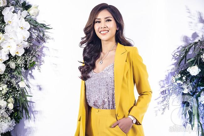 Sau một năm biến mất khỏi showbiz, Á hậu Nguyễn Thị Loan tái xuất với phong cách đẳng cấp trong ngày trở thành bà chủ - Ảnh 3.