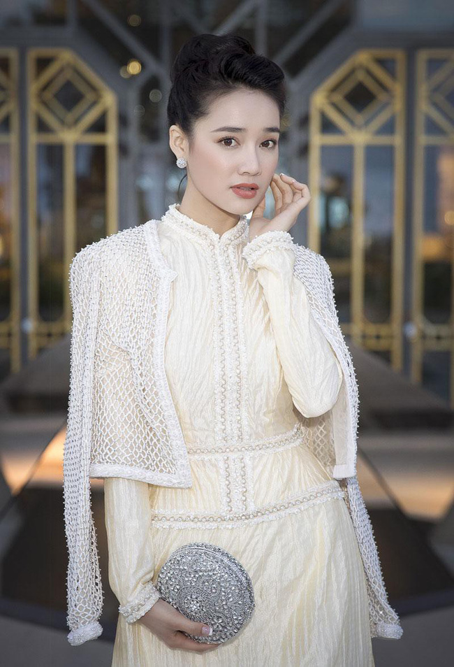 1 năm sự nghiệp của Nhã Phương: Ngọc nữ màn ảnh bị thị phi bủa vây, thăng hạng vượt bậc nhờ scandal tình ái  - Ảnh 8.
