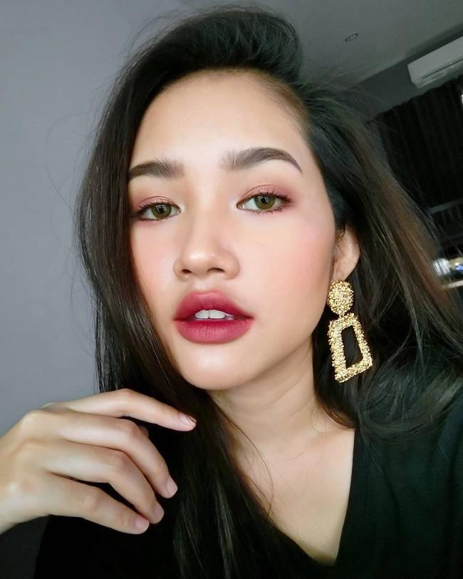 12 gợi ý makeup đơn giản mà xinh tuyệt, diện đi party đón năm mới là chuẩn không cần chỉnh - Ảnh 4.