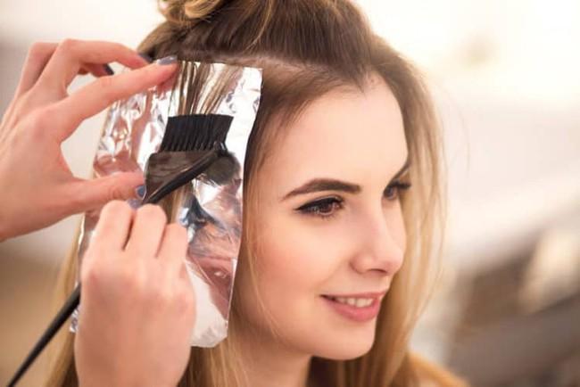 Có chị em biến dạng đầu, xơ gan chỉ vì nhuộm tóc, chuyên gia đưa ra nguyên tắc sống còn tránh gặp họa - Ảnh 4.