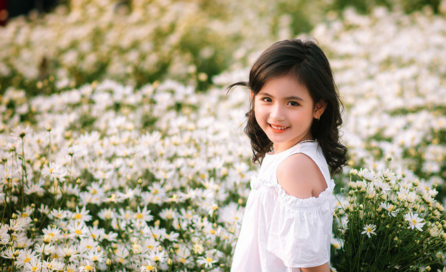 Đánh bại tất cả các bộ ảnh khác, 2 chị em soán ngôi công chúa mùa cúc họa mi năm nay vì quá xinh - Ảnh 13.